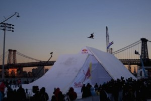 Terje throws down in Manhattan at the TTR World Snowboard Tour 5-Star Red Bull Snowscrapers. Photo: Christian Pondella.