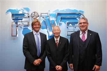 The seeding of the SWATCH FIVB World Championships which took place at the FIVB Headquarters was attended by the promoter Bjorn Maaseide, the FIVB President Jizhong Wei and the Beach Volleyball Department Director Angelo Squeo.