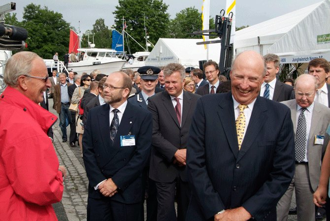 H.M. King Harald on the opening day at Nor-Fishing 2006,