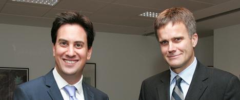 UK energy and climate change minister, Ed Miliband (left) and StatoilHydro CEO, Helge Lund, met this week in London to discuss issues relating to business. (Photo: Peter Whyte)