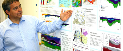 The winner of StatoilHydro's research award for 2009, Professor Jan Inge Faleide at the University of Oslo, is head of a major research programme called Petrobras which is investigating geological development in the Barents Sea. (Photo: Gro Faleide)