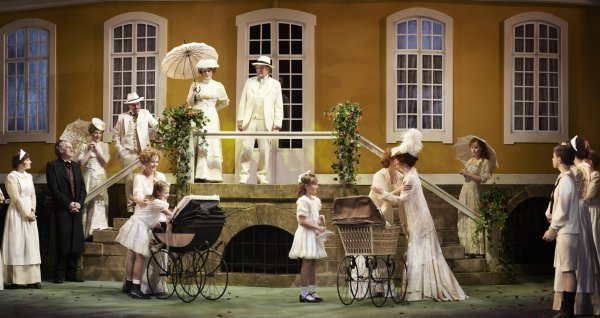 Around 80 percent of the tickets for the new stage production of Fanny and Alexander in Oslo are already sold out. More performances are being added after New Year with new batches of tickets due for sale. Photo: Nationaltheatret