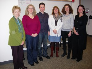 """Norwegian and American scientists meet at the Fred Hutchinson Cancer Research Center (a.k.a. """"the Hutch"""") . From left:  Anne McTiernan and Karen Makar from the FHCRC with Norwegians Vidar Flote, Anita Iversen,  Anne-Sofie Furberg and Inger Thune.  (Photo: Inger Thune)"""