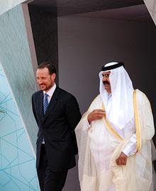 ROYAL PLANT OPENING: Crown Prince Haakon and the amir of Qatar, sheikh Hamad bin Khalifa Al Thani. (Photo: Erik Brynhildsbakken)