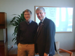 Picture text: Dagfinn Høybråten and Bill Gates met in Seattle January 8 to discuss new efforts to roll out lifesaving vaccines in poor countries.