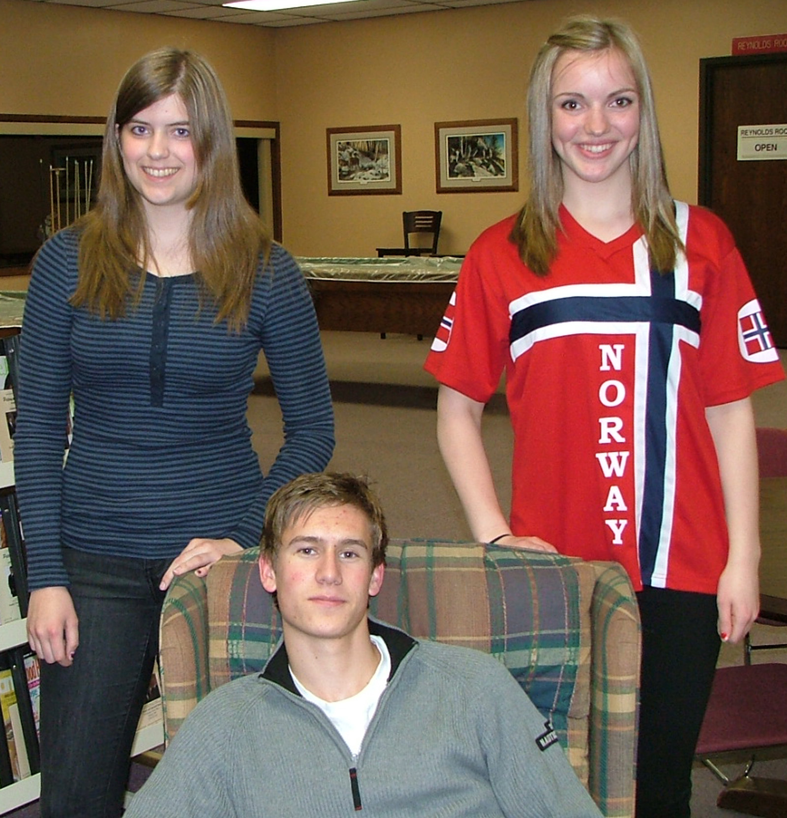 Three Norwegian exchange students gave a presentation to Sons of Norway Fedraheimen Lodge in Willmar, Minn., on April 11. From left: Marit Aarvik from Hakadal, studying at Willmar High School in Willmar, Minn.; Ivar Duserod from Eidsberg, studying at Maccray High School in Clara City, Minn.;  and Jorun Guldbakke Øiesvold from Bodø, who is studying at Maccray High School in Clara City, Minn.. Photo: Gary Erickson