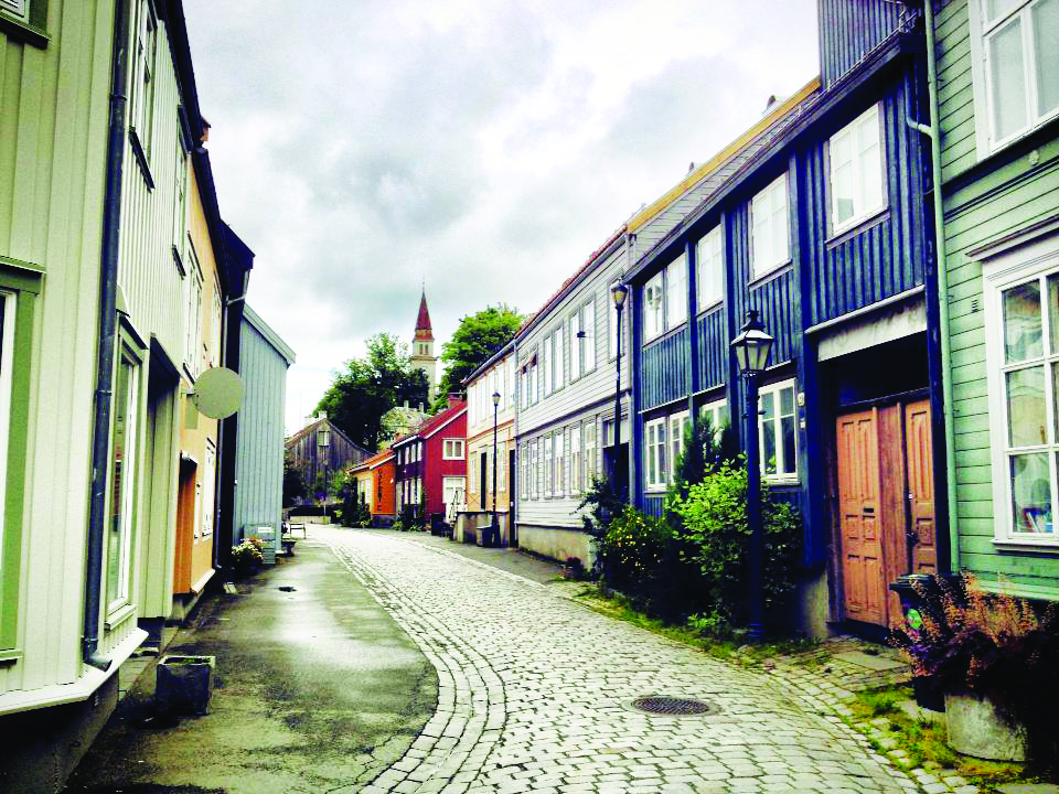 Photo: David Nikel The cobbled street of Nedre Bakklandet, across the river from the central part of town.