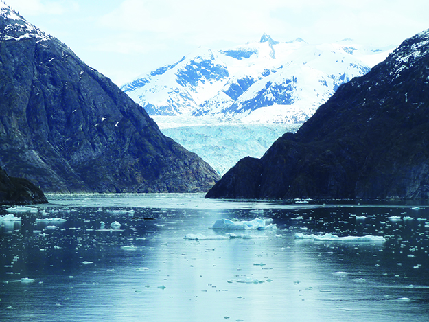 Photo: Darin Lietz Sawyer Glacier as seen from the Tracy Arm Fjord in south-east Alaska.