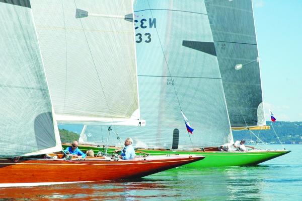 Photo: Robert McDermott Eight-meter boats Wanda and Sira race during Europe Week 2014.