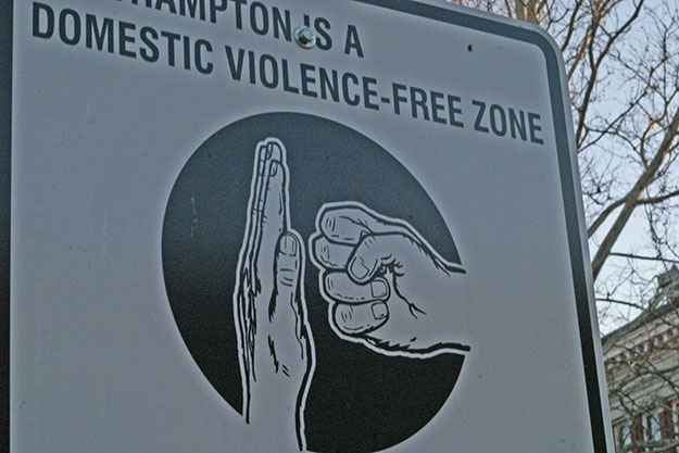"""Photo: Ben Pollard / Wikimedia Commons The sign says """"North Hampton (Massachussetts) is a Domestic Violence free-zone."""" Few areas are actively trying to stop the widespread problem of Domestic Violence."""