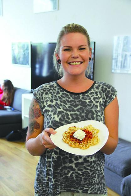 Photo: gatewaynewyork.blogg.no Norwegian students at Gateway's New York campus enjoy a bit of home with waffle day.