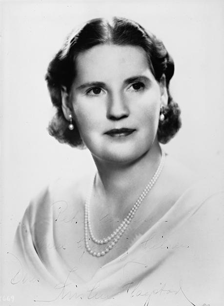 Photo: Nasjonalbiblioteket  Portrait of Kirsten Flagstad in the 1940s.