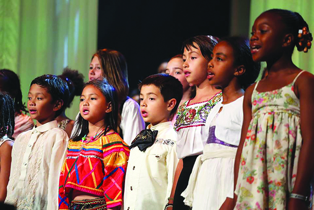 Photo: Førdefestivalen / Facebook Children from many nations sing together at Førdefestivalen in 2014.