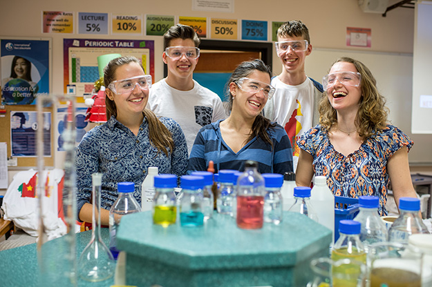 Photo: Jarle Aaslund / Stavanger Aftenblad These five remarkable students took home prizes in Humanities and Science/Technology.
