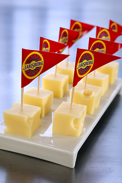 Photo: TINE Mediebank Jarlsberg may do much less celebrating abroad if the proposal to remove export subsidies goes ahead.