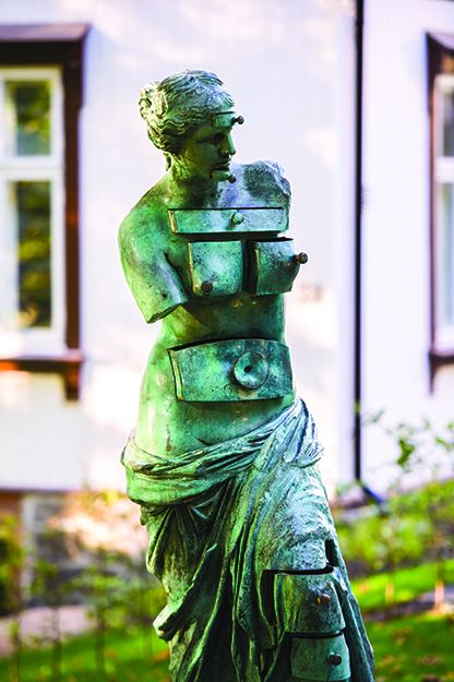 "Photo: CH / Visitnorway.com Salvador Dalí's ""Venus de Milo aux tiroir"" installs a set of drawers on the classic sculpture. Perhaps places for her to keep her secrets?"