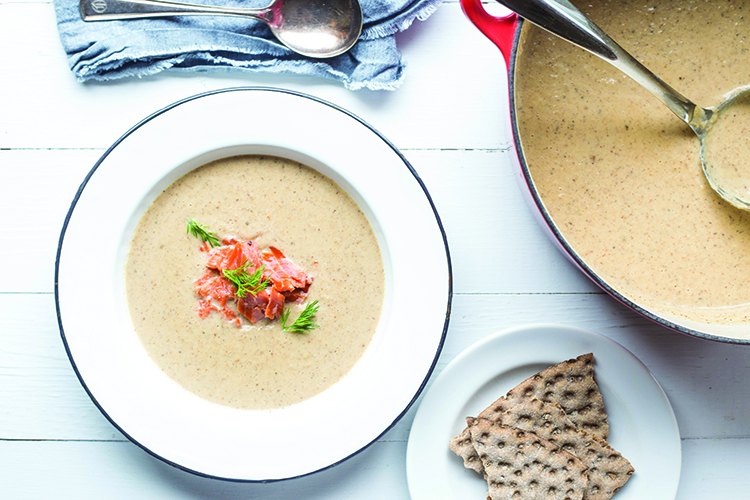Photo: Maria Stordahl Nelson The smoked salmon and dill add an extra level of Norwegianness to this cauliflower soup.