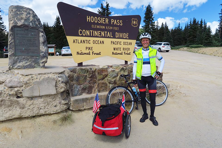 Photo: Sykkelgunnar / Facebook Gunnar Kagge at the continental divide. He's now made it more than halfway across the U.S. interviewing Americans about their political views.