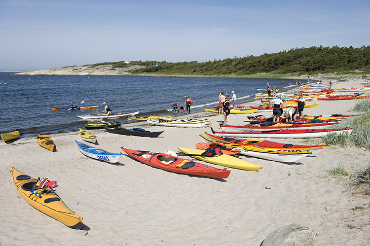 Photo: Terje Rakke / Nordic Life AS / Visitnorway.com Skorpen isn't the only one to enjoy the water in Hvaler. In summer the archipelago's population explodes with visitors seeking the sunshine.