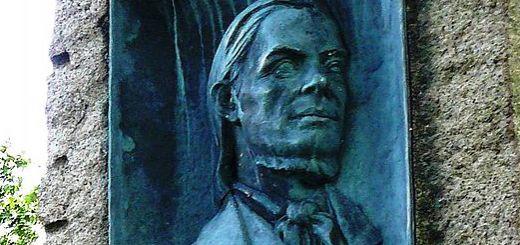 Photo: C. Hill / Wikimedia Memorial plate of Hans Nielsen Hauge, by Bredtvet church, Oslo.