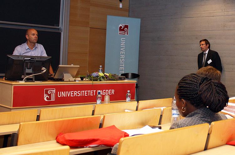 Photo: Ilan Kelman Dr. Halvard Buhaug presents at the University of Agder.