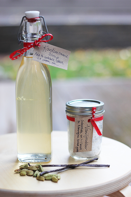 Photo: Christy Olsen Field Sometimes simple gifts are the best—like simple syrup infused with cardamom or the essential Norwegian baking ingredient, vanilla sugar. Adding a handwritten label with suggestions on how to use your gifts adds an extra personal touch.