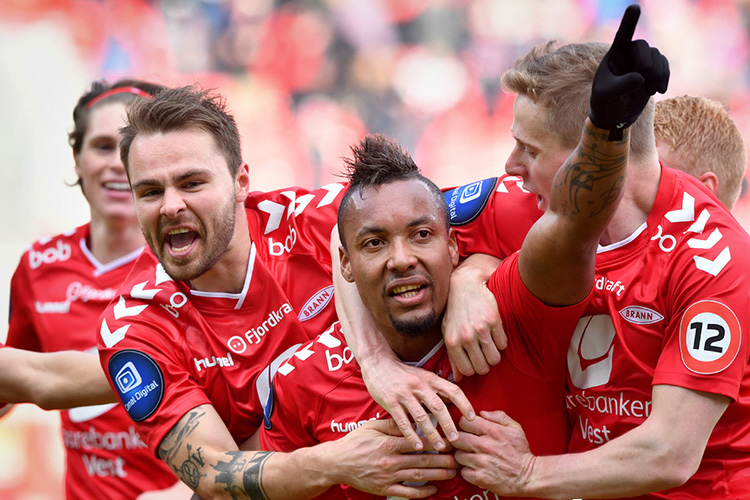 Photo: Bjørn S. Delebekk / VG Brann players Vadim Demidov, Bisma Acosta, and Mads Hvilsom celebrate early in this season.
