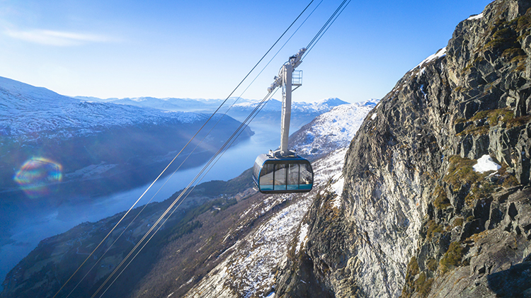 Cable-Car-Loen-Skylift-above-the-Nordfjord._Photo_Lars_Korvald2FLoen_Skyliftweb
