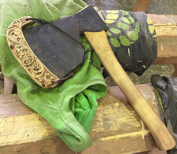 A carved axe.